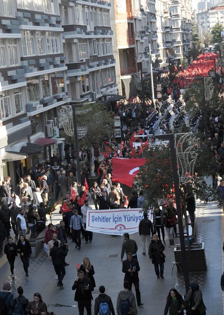 http://www.omu.edu.tr/sites/default/files/files/omu_ve_samsun_sehitlerimiz_icin_tek_yurek_oldu/dsc_0374.jpg