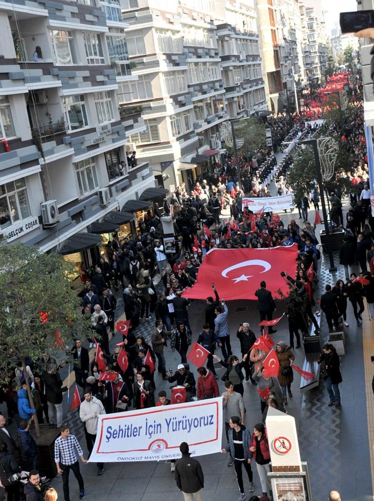 http://www.omu.edu.tr/sites/default/files/files/omu_ve_samsun_sehitlerimiz_icin_tek_yurek_oldu/dsc_0378.jpg
