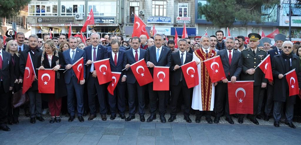 http://www.omu.edu.tr/sites/default/files/files/omu_ve_samsun_sehitlerimiz_icin_tek_yurek_oldu/dsc_0442.jpg