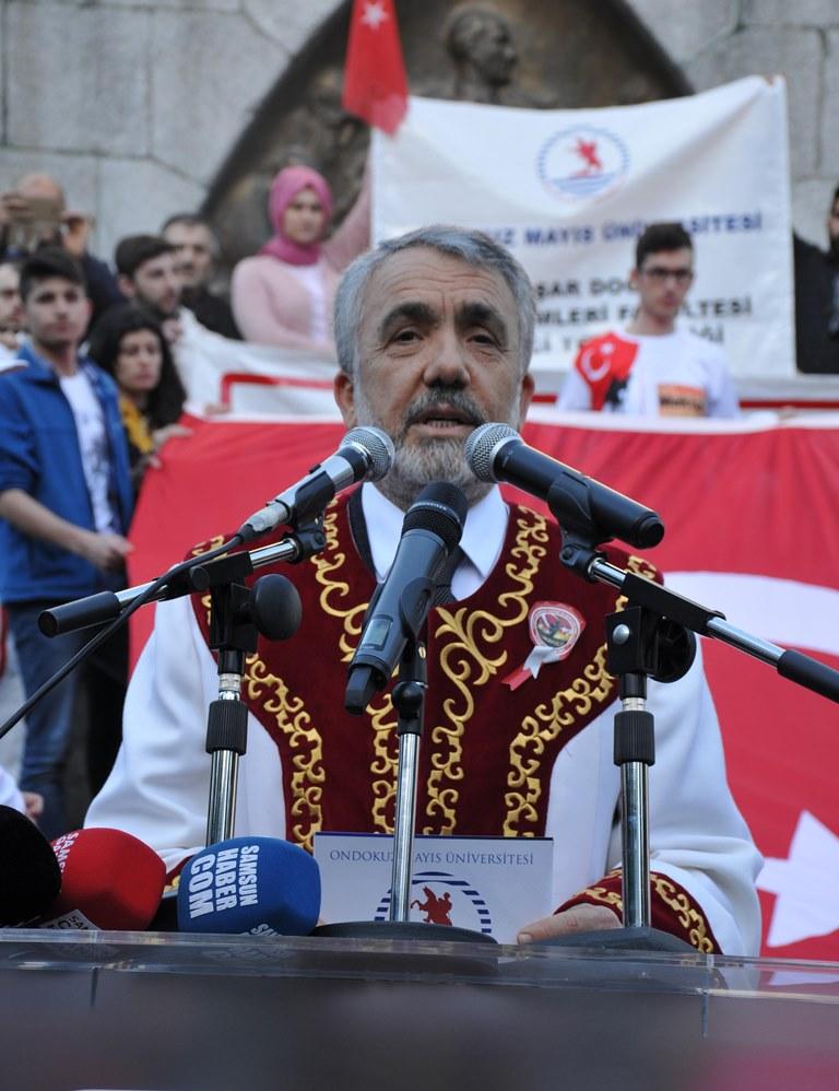 http://www.omu.edu.tr/sites/default/files/files/omu_ve_samsun_sehitlerimiz_icin_tek_yurek_oldu/dsc_0475.jpg