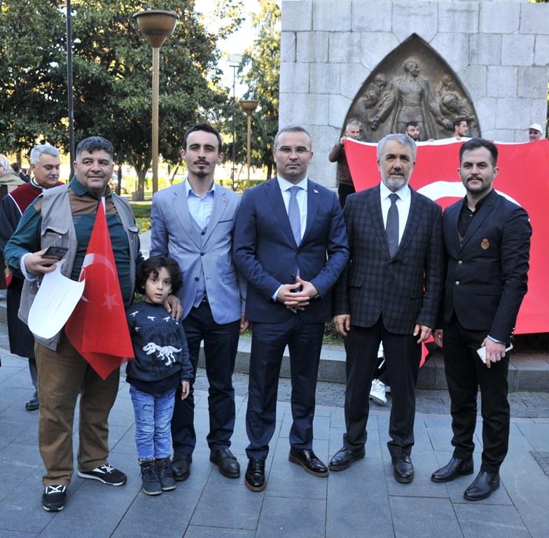 http://www.omu.edu.tr/sites/default/files/files/omu_ve_samsun_sehitlerimiz_icin_tek_yurek_oldu/dsc_0517.jpg