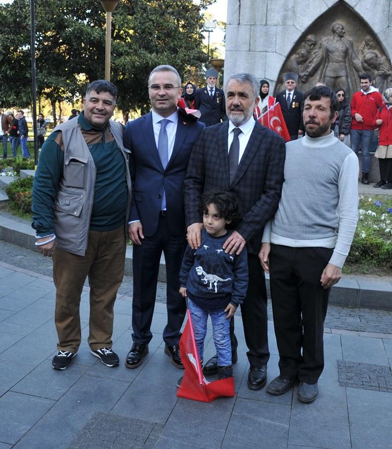 http://www.omu.edu.tr/sites/default/files/files/omu_ve_samsun_sehitlerimiz_icin_tek_yurek_oldu/dsc_0522.jpg