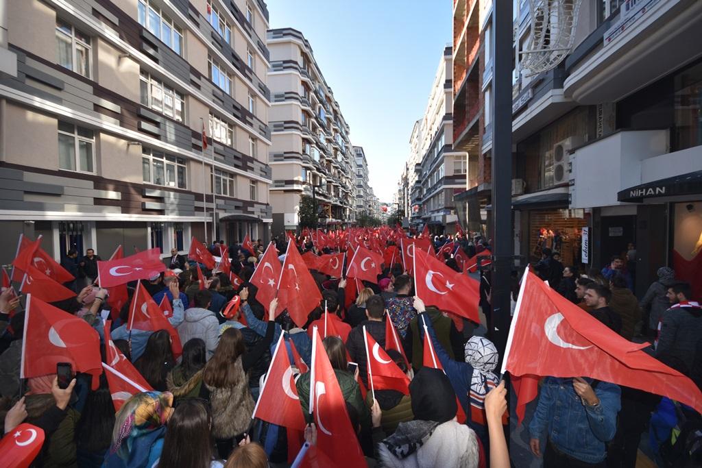 http://www.omu.edu.tr/sites/default/files/files/omu_ve_samsun_sehitlerimiz_icin_tek_yurek_oldu/dsc_7861.jpg