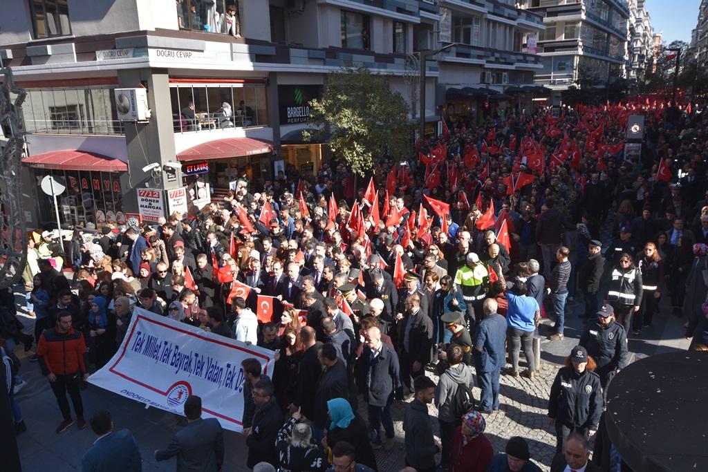 http://www.omu.edu.tr/sites/default/files/files/omu_ve_samsun_sehitlerimiz_icin_tek_yurek_oldu/dsc_7885.jpg