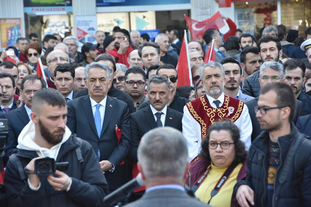 http://www.omu.edu.tr/sites/default/files/files/omu_ve_samsun_sehitlerimiz_icin_tek_yurek_oldu/dsc_8101.jpg