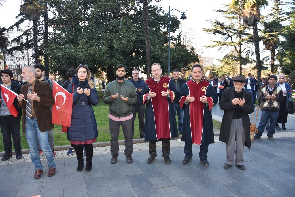 http://www.omu.edu.tr/sites/default/files/files/omu_ve_samsun_sehitlerimiz_icin_tek_yurek_oldu/dsc_8147.jpg