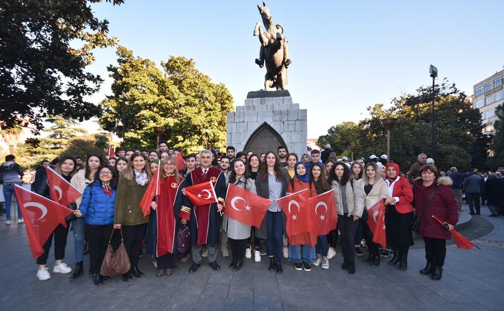 http://www.omu.edu.tr/sites/default/files/files/omu_ve_samsun_sehitlerimiz_icin_tek_yurek_oldu/dsc_8170.jpg