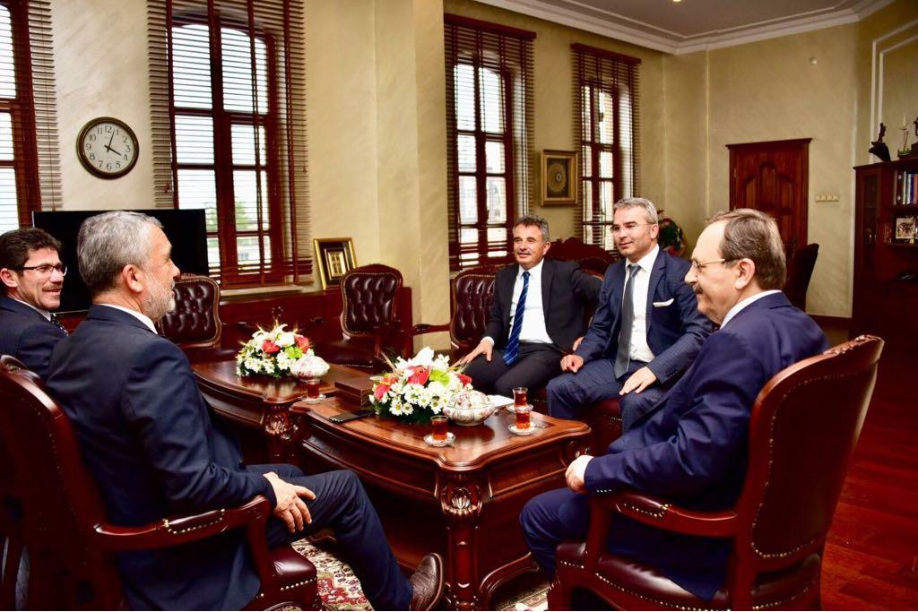 http://www.omu.edu.tr/sites/default/files/files/rektor_bilgic039ten_yeni_baskan_sahin039e_tebrik_ziyareti/buyuksehir_belediyesi_2.jpg