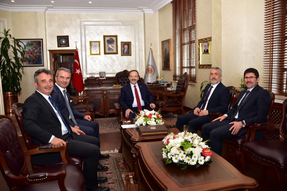 http://www.omu.edu.tr/sites/default/files/files/rektor_bilgic039ten_yeni_baskan_sahin039e_tebrik_ziyareti/samsun_belediyesi_1.jpg