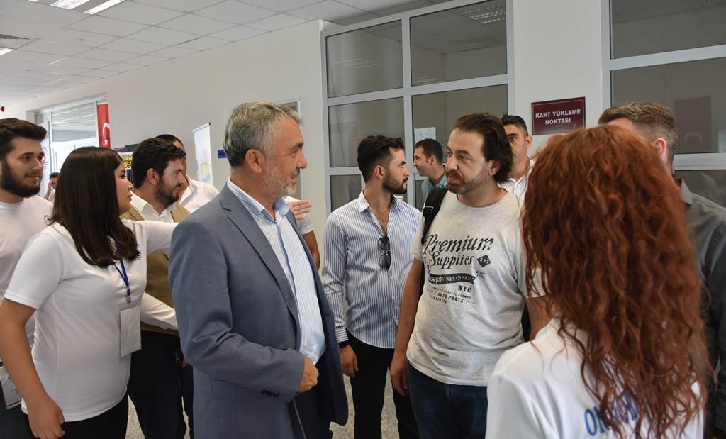 http://www.omu.edu.tr/sites/default/files/files/rektor_bilgic_yeni_ogrencilerin_mutluluguna_ortak_oldu/dsc_4962.jpg