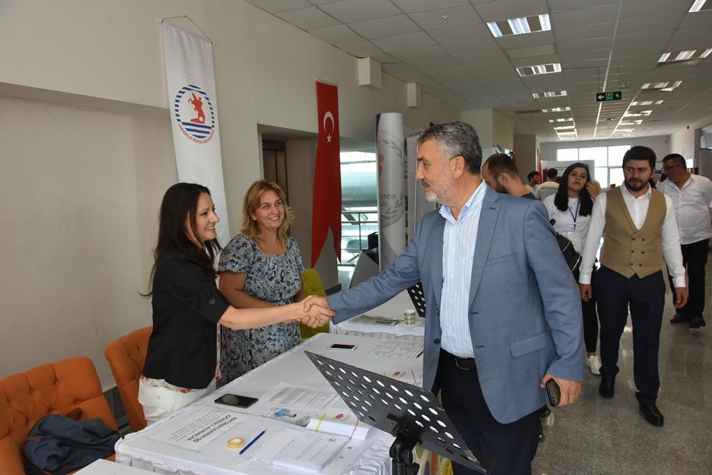 http://www.omu.edu.tr/sites/default/files/files/rektor_bilgic_yeni_ogrencilerin_mutluluguna_ortak_oldu/dsc_4973.jpg