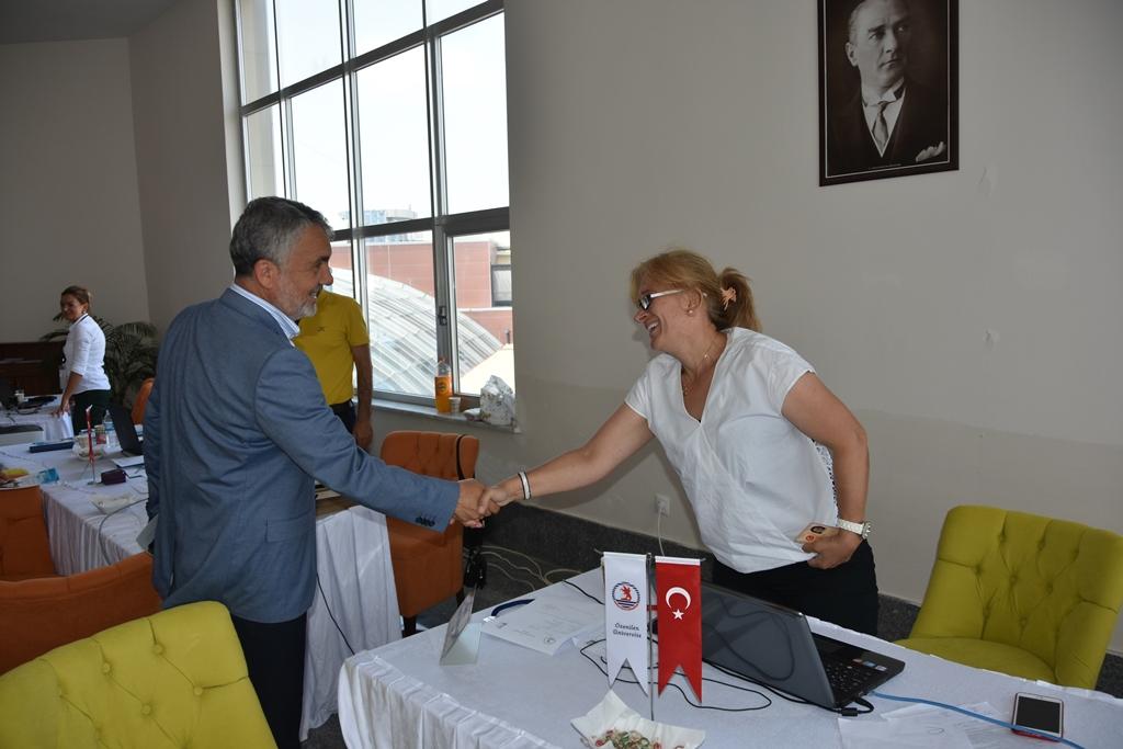 http://www.omu.edu.tr/sites/default/files/files/rektor_bilgic_yeni_ogrencilerin_mutluluguna_ortak_oldu/dsc_4998.jpg