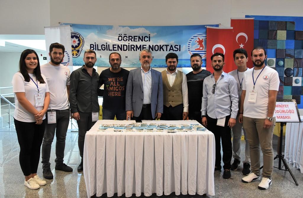 http://www.omu.edu.tr/sites/default/files/files/rektor_bilgic_yeni_ogrencilerin_mutluluguna_ortak_oldu/dsc_5014.jpg