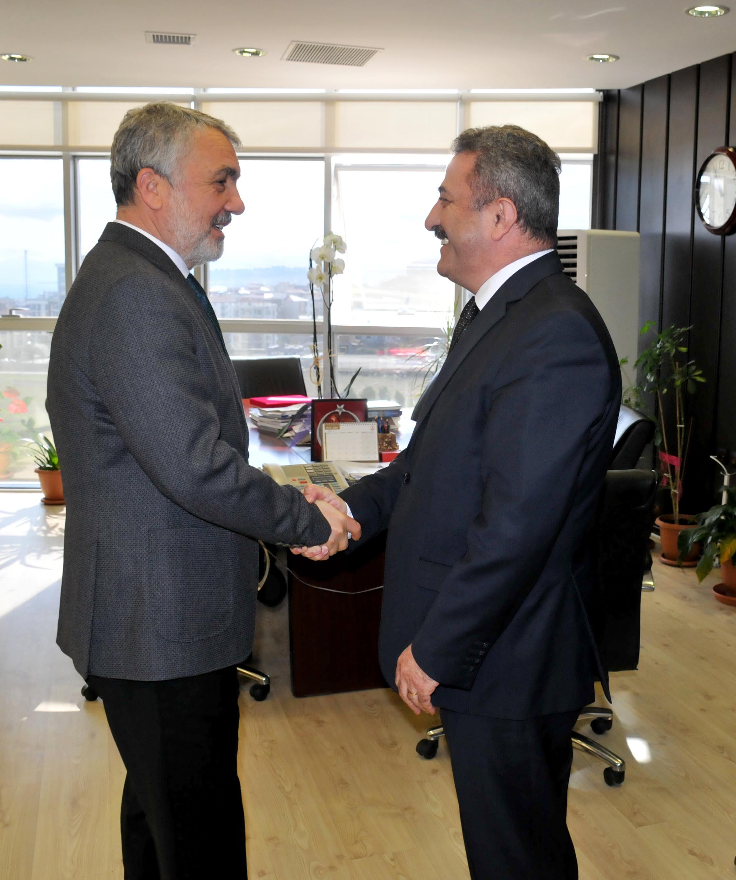 http://www.omu.edu.tr/sites/default/files/files/rektor_bilgic_yurt_disi_turkler_ve_akraba_topluluklar_baskanligi_heyetini_kabul_etti/dsc_0164.jpg