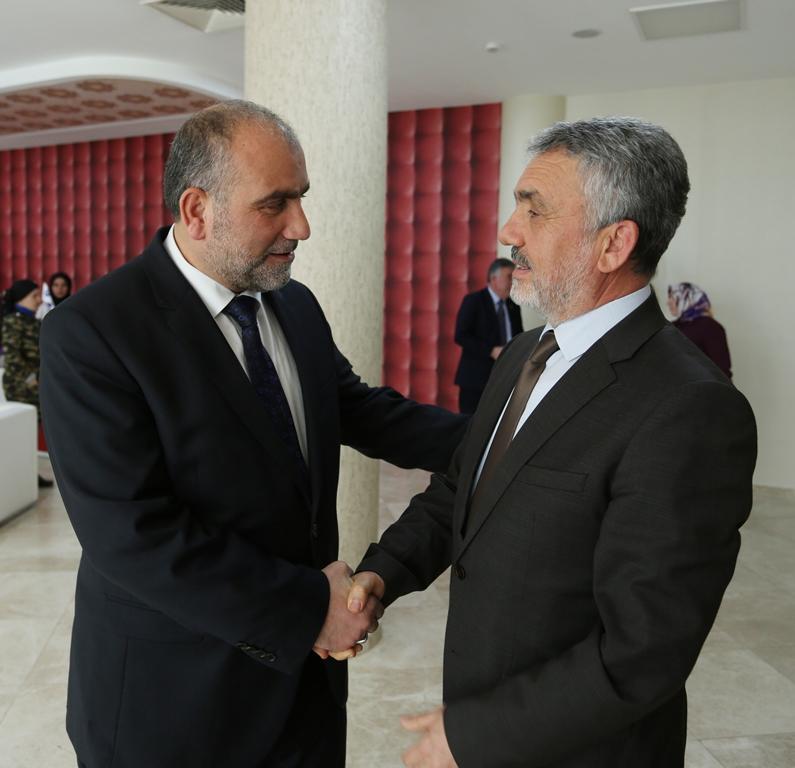 http://www.omu.edu.tr/sites/default/files/files/rektor_bilgicten_canik_belediye_baskani_sandikciya_tebrik_ziyareti/omu_canik_ziyaret_4.jpg