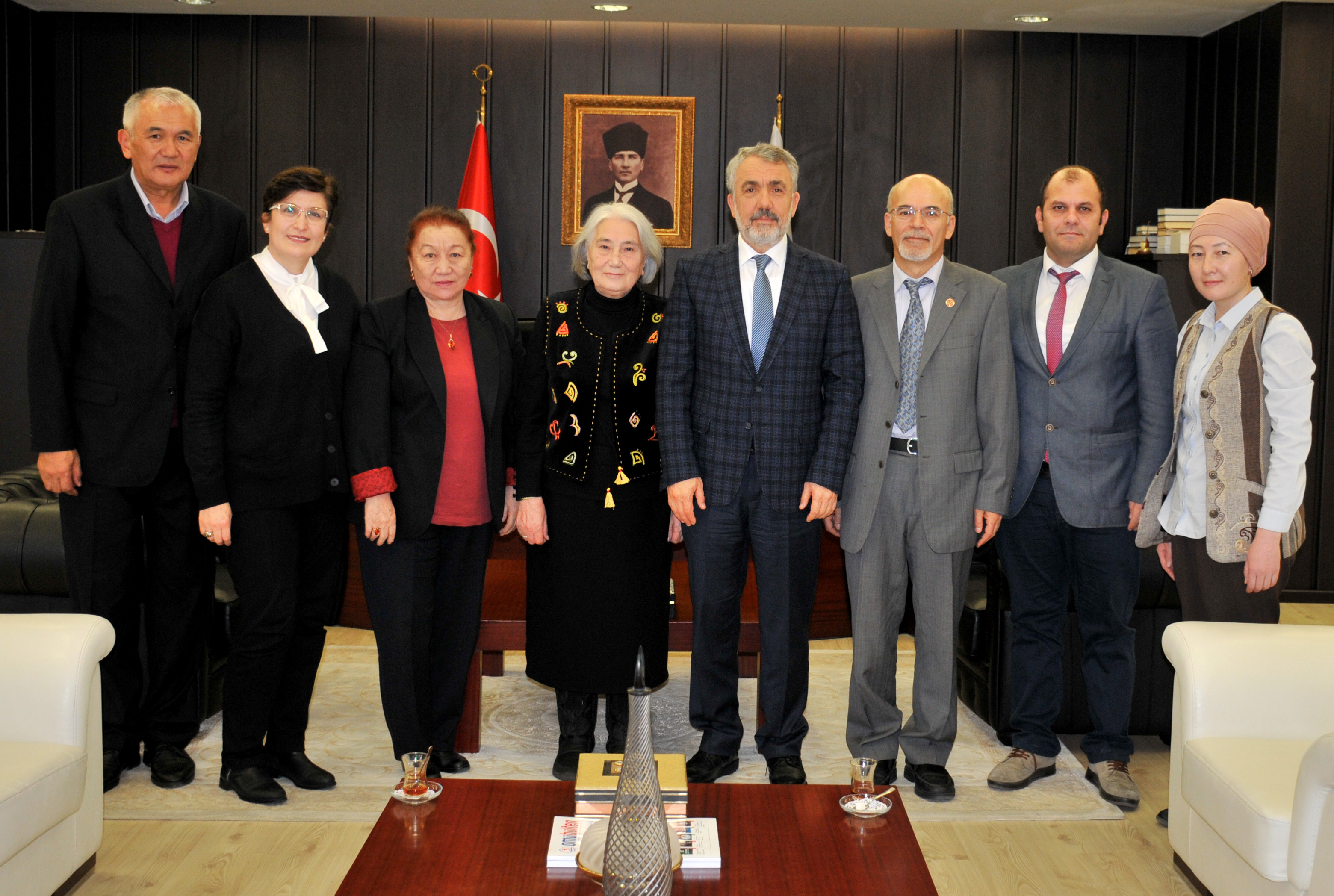 http://www.omu.edu.tr/sites/default/files/files/roza_aitmatov_visits_rector_bilgic/dsc_0185.jpg