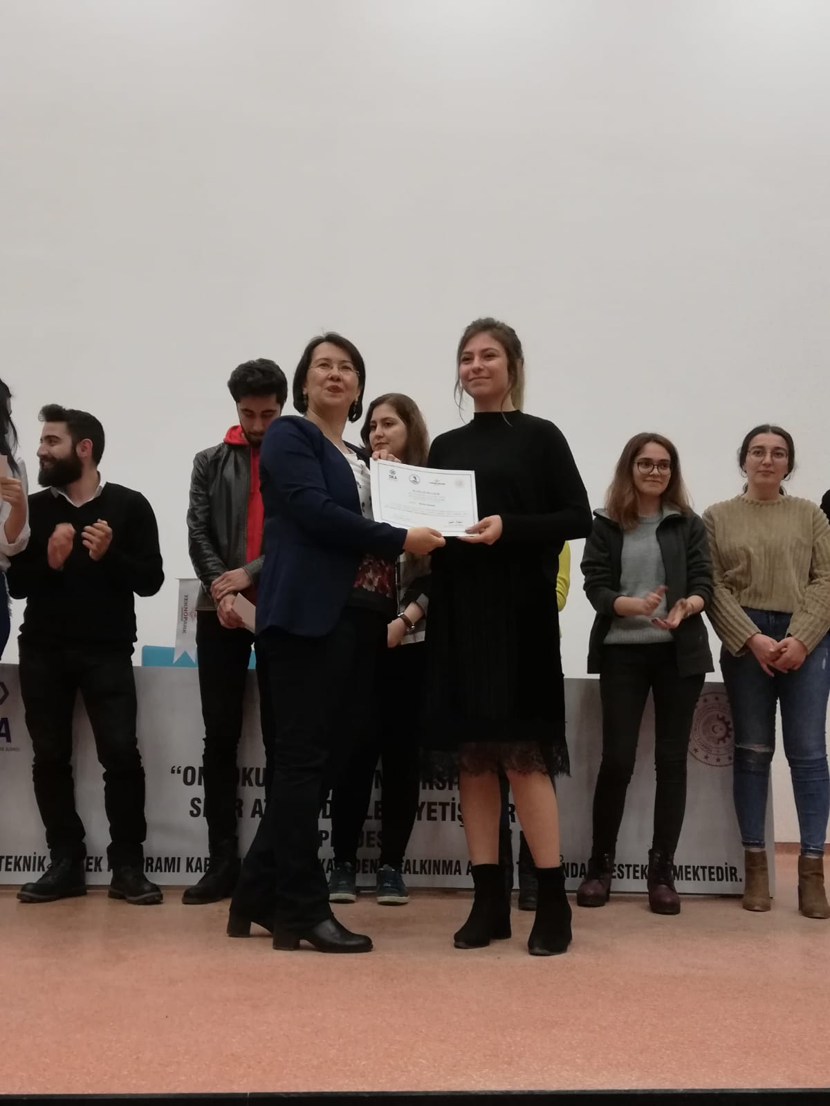 http://www.omu.edu.tr/sites/default/files/files/the_first_zero-waste_leaders_of_omu_receive_their_certificates/fcfb30dc-78fc-43f8-85e4-430ac4ba6b15.jpg
