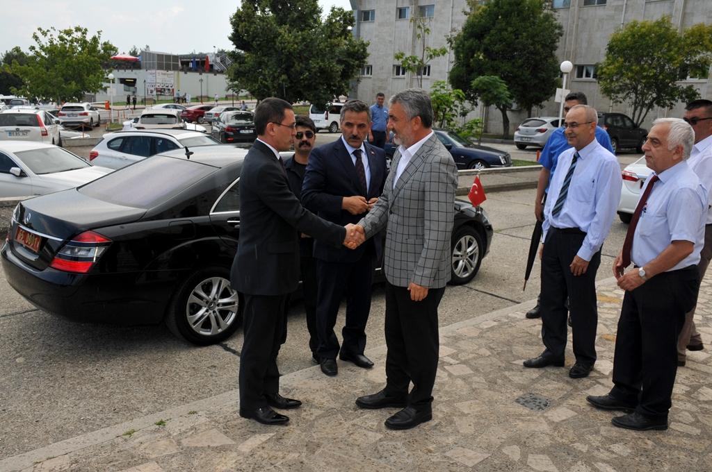 http://www.omu.edu.tr/sites/default/files/files/turkmenistan_buyukelcisinden_omu_rektoru_bilgice_ziyaret/dsc_0003.jpg