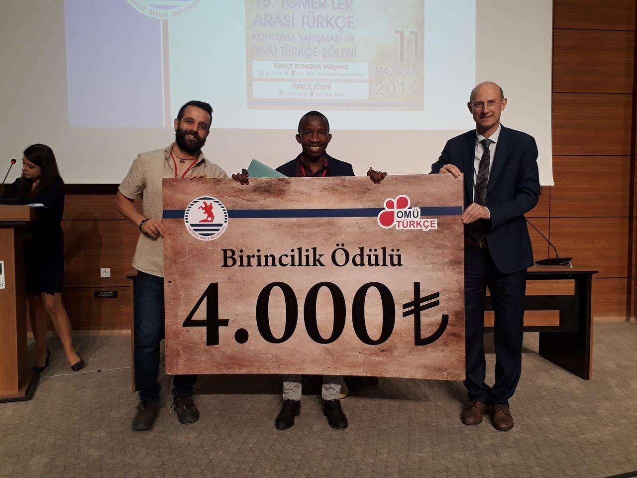 http://www.omu.edu.tr/sites/default/files/files/uluslararasi_ogrenciler_turkcelerini_yaristirdi_/omu_turkce_konusma_yarismasi_278.jpg