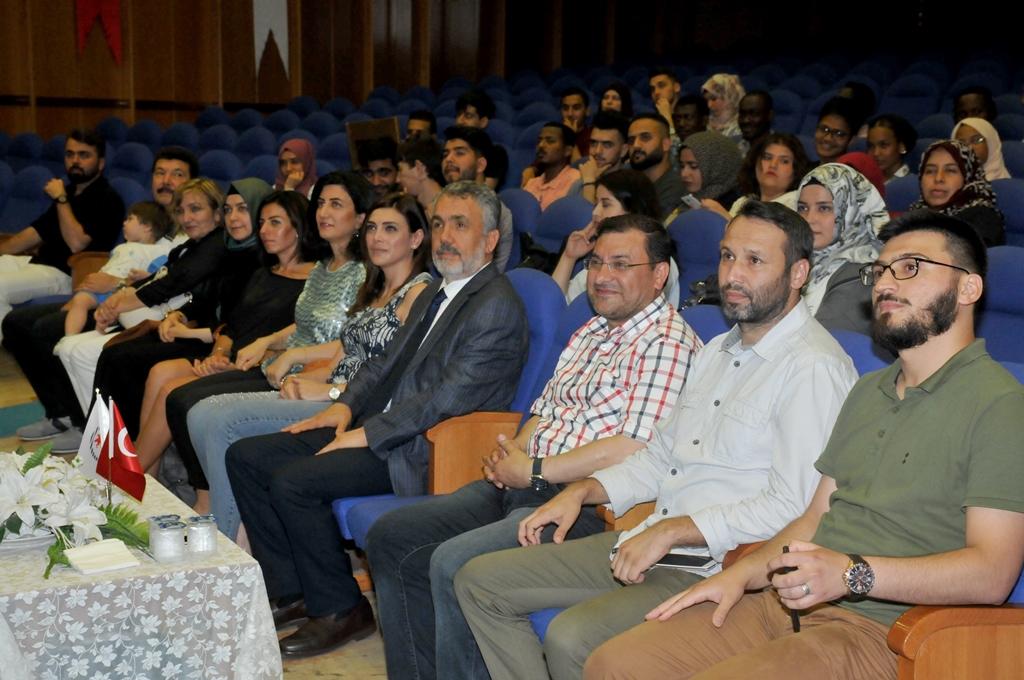 http://www.omu.edu.tr/sites/default/files/files/uluslararasi_ogrencilerle_turkce_soleni/dsc_0674.jpg