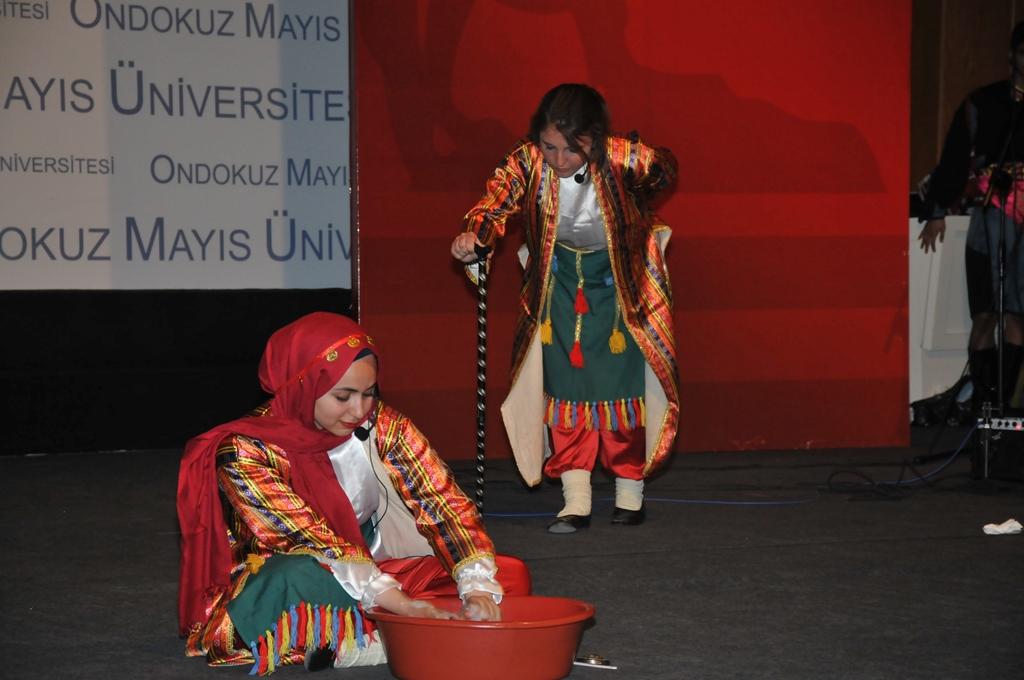 http://www.omu.edu.tr/sites/default/files/files/uluslararasi_ogrencilerle_turkce_soleni/dsc_0779.jpg