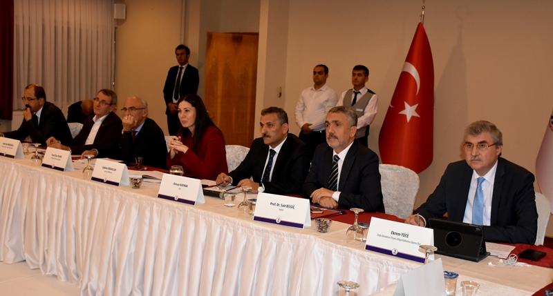 http://www.omu.edu.tr/sites/default/files/files/universite_danisma_kurulu_samsun_ve_bilim_icin_bir_arada/dsc_7030.jpg