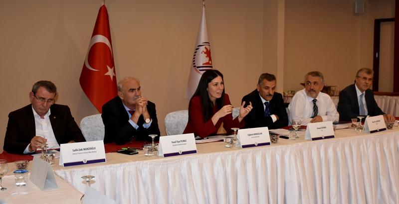 http://www.omu.edu.tr/sites/default/files/files/universite_danisma_kurulu_samsun_ve_bilim_icin_bir_arada/dsc_7078.jpg