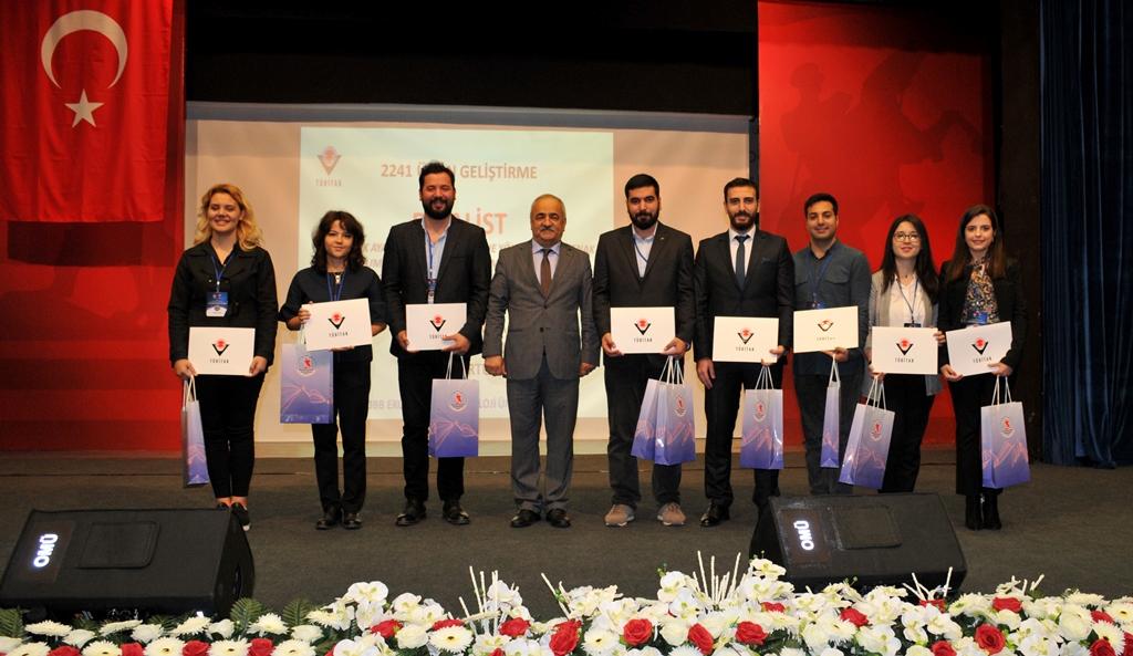 http://www.omu.edu.tr/sites/default/files/files/universite_ogrencileri_proje_yarismasinin_finalistleri_belli_oldu/dsc_0098.jpg