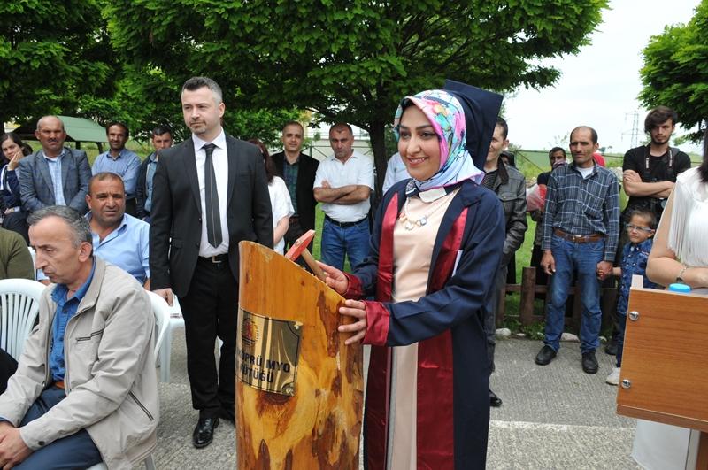 http://www.omu.edu.tr/sites/default/files/files/vezirkopru_havza_ve_kavak039da_mezuniyet_coskusu/dsc_0039.jpg