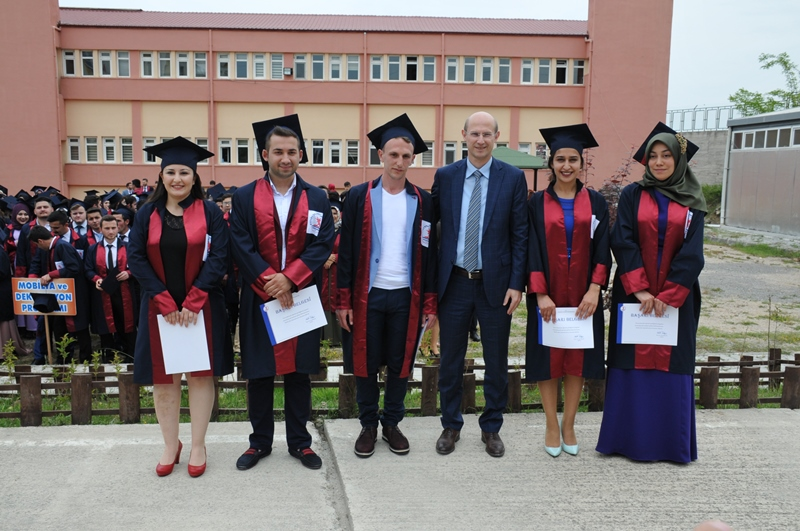 http://www.omu.edu.tr/sites/default/files/files/vezirkopru_havza_ve_kavak039da_mezuniyet_coskusu/dsc_0049.jpg