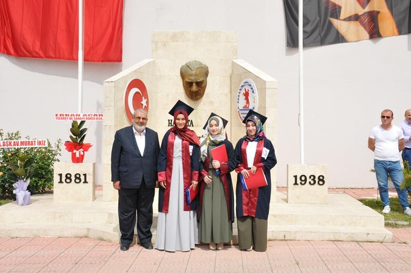 http://www.omu.edu.tr/sites/default/files/files/vezirkopru_havza_ve_kavak039da_mezuniyet_coskusu/dsc_0118.jpg
