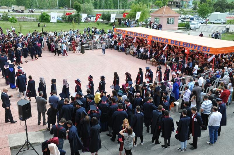 http://www.omu.edu.tr/sites/default/files/files/vezirkopru_havza_ve_kavak039da_mezuniyet_coskusu/dsc_0126.jpg