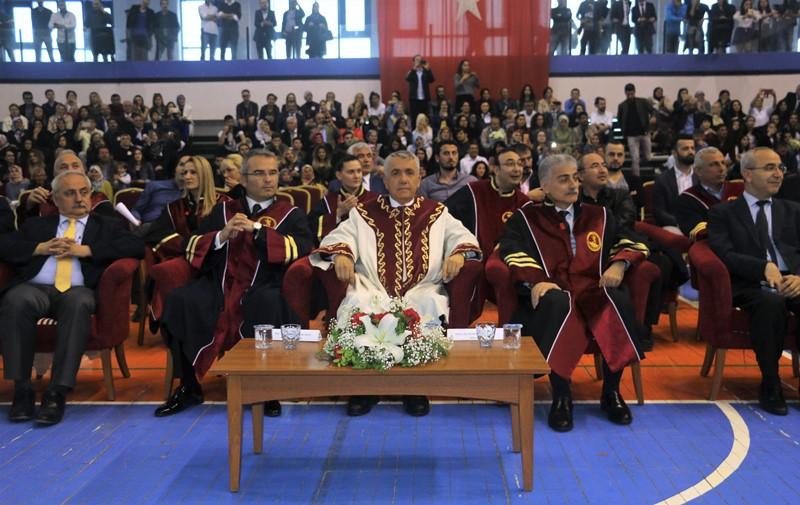 http://www.omu.edu.tr/sites/default/files/files/yasar_dogu_spor_bilimleri_fakultesinde_renkli_mezuniyet/img_7265.jpg