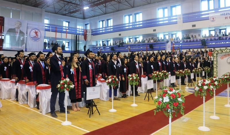 http://www.omu.edu.tr/sites/default/files/files/yasar_dogu_spor_bilimleri_fakultesinde_renkli_mezuniyet/img_7303.jpg