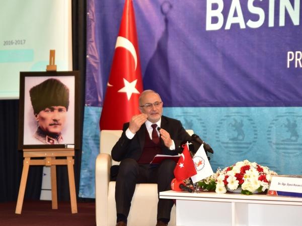 Rektör Prof. Dr. Yavuz Ünal